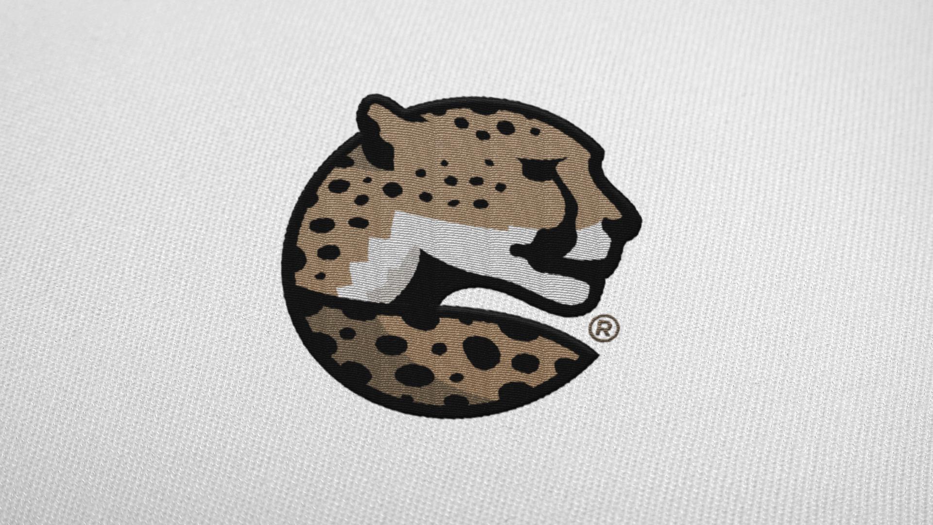 Sports Brand Design cheetah logo for MOMFIT Sportswear